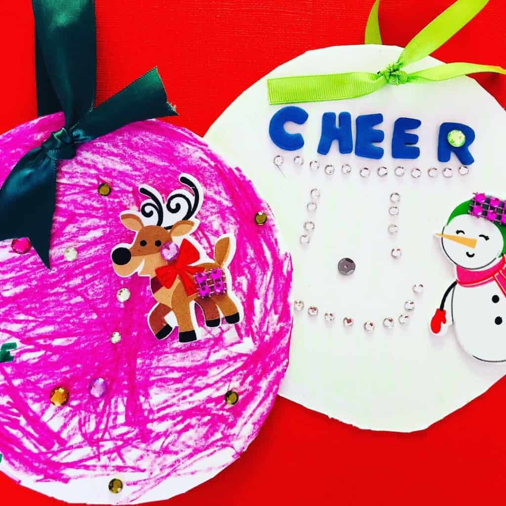 Simple fun and creative DIY Christmas art for toddlers and children to make at school, preschool, at home, or at church. These are perfect quick Christmas crafts for toddlers and kids ages 2 years old and up. Snowman, Santa, ornaments, gingerbread, and more! #snowmancrafts #christmascrafts #christmas #toddler #kidsactivities