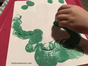 Fun St. Patrick's Day sensory play activities and crafts for kids. Go on scavenger hunts in the preschool classroom with Leprachauns and a pot of gold. These holiday ideas are great for St. Patty's day and includes free printables! #stpattysday #stpatricksday #preschoolartprojects #preschoolcrafts #preschoolactivities